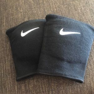 nike volley ball nee pads